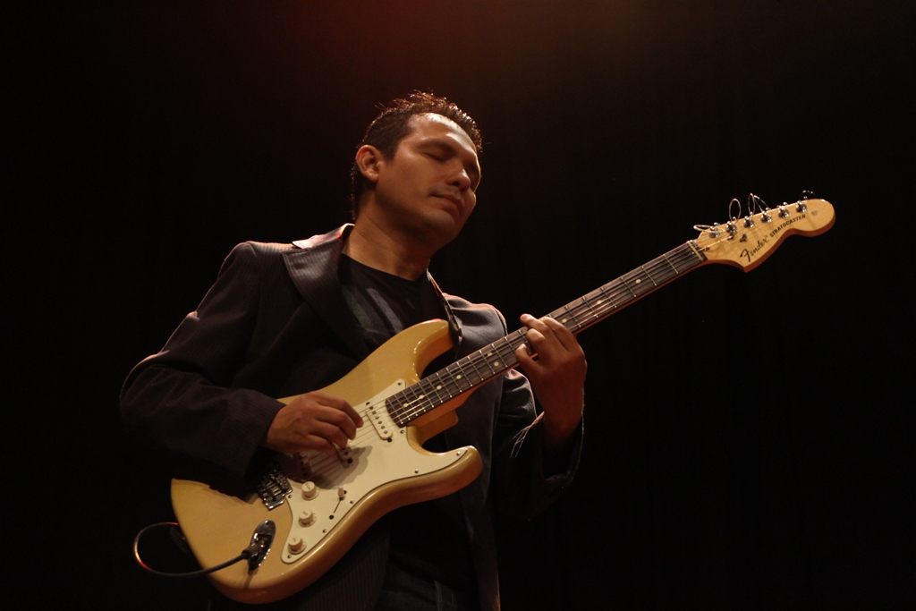 Carlos-Rodriguez.jpg