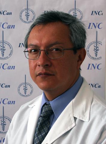 DR.-MARTÍN-GRANADOS.jpg