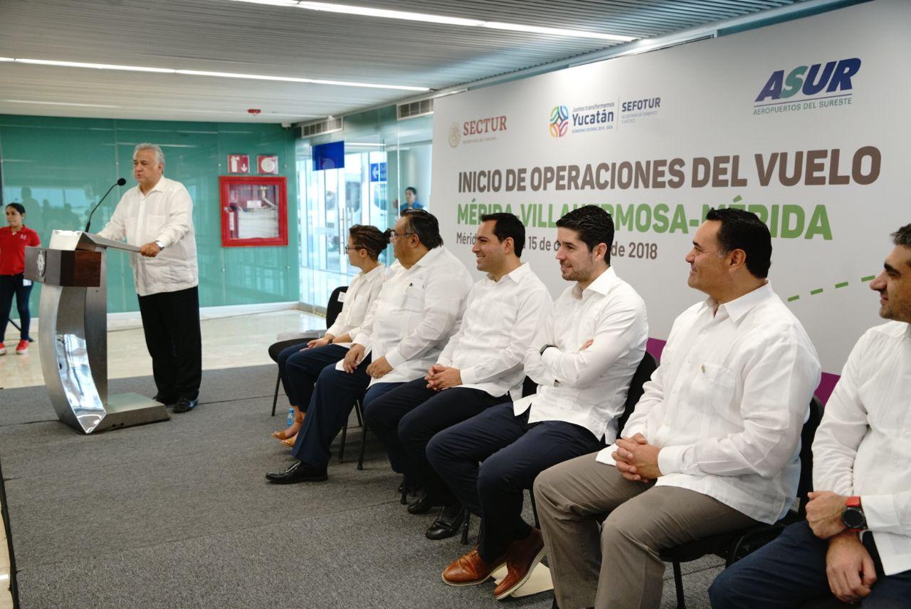 Inicio-de-operaciones-del-vuelo-Mérida-Villahermosa-2.jpeg
