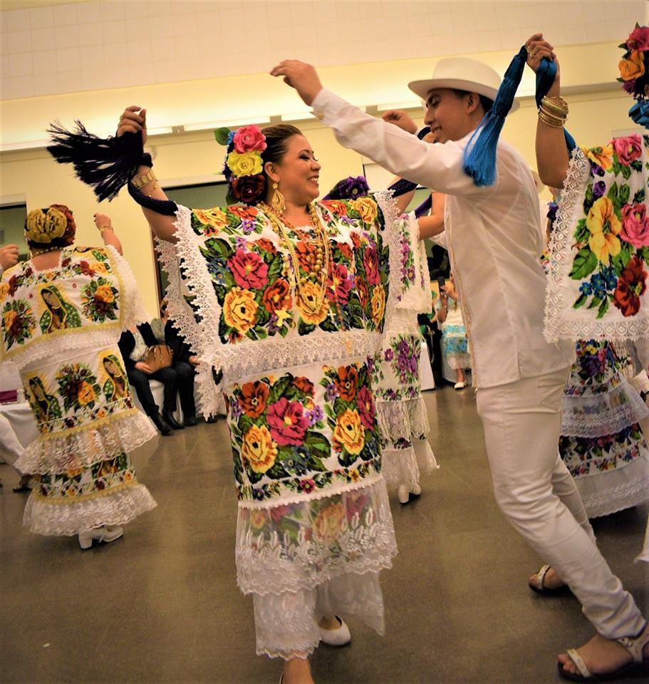 Elegancia-y-maestría-en-el-zapateado-de-la-jarana-tradicional-en-la-comunidad-maya-emigrante-en-Ca.jpg