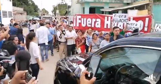 Fuera-Huacho-1.jpg