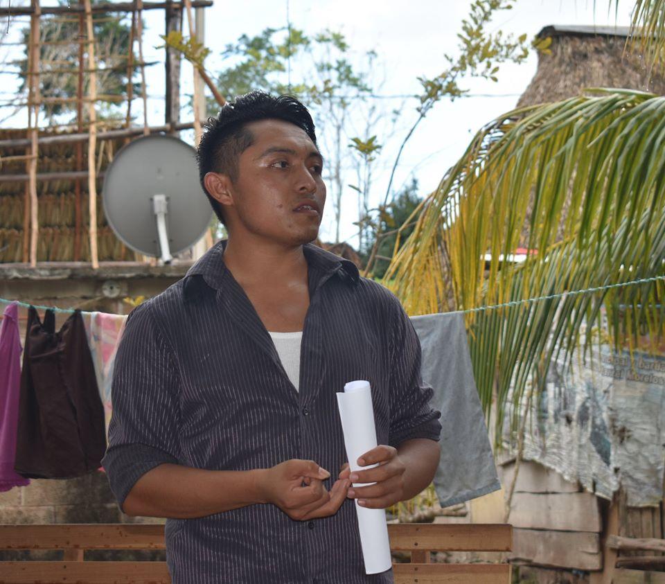 """Oscar-Giovani-Balam-Canul-estudiante-de-la-Universidad-Intercultural-Maya-de-Quintana-Roo-UIMQROO-al-presentar-este-proyecto-""""""""El-arte-de-la-oralidad-para-el-rescate-de-las-tradicion.jpg"""