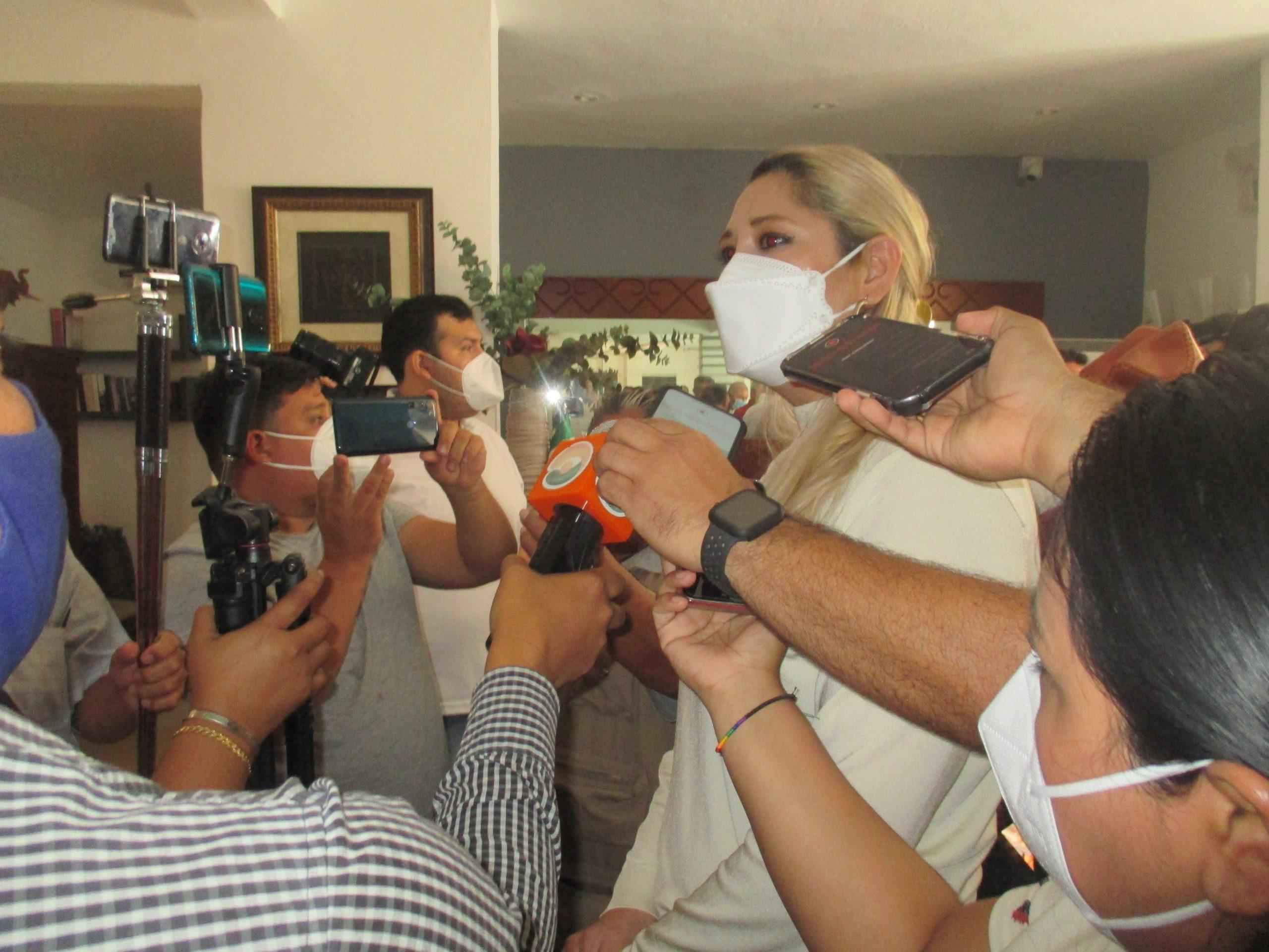 DIMES Y DIRETES: LA SENADORA VERONICA CAMINO SE DESCARTA PARA LA ALCALDÍA, Y LA DIRECTIVA DE MORENA